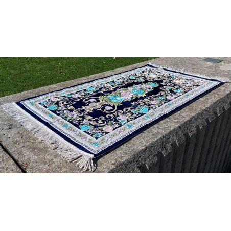 Tapis de Prière en polyester - Motifs brodés arabesques florales - couleur dominante BLEU