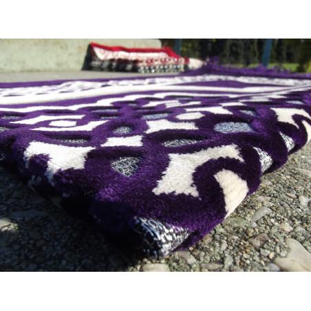 Tapis de Prière en Velours - Contour géométrique - Couleur Fond Violet foncé