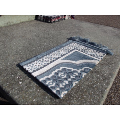 Tapis de Prière en Velours - Contour géométrique - Fond Bleu Ardoise